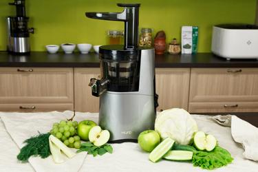 Ингредиенты для зеленого сока в Hurom Alpha Plus H-AA