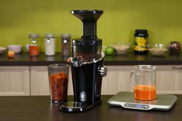 Сок из моркови в соковыжималке Hurom H-100