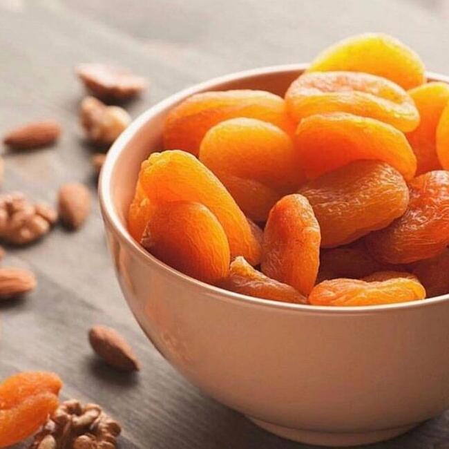 Польза орехов и кураги