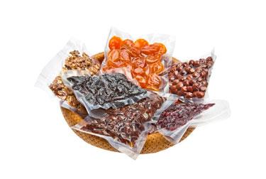 Орехи и сухофрукты в вакуумной упаковке