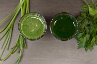 Сравнение соков из стеблей и листьев петрушки