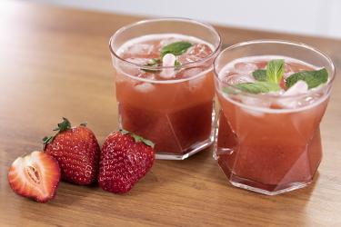 Клубничный коктейль алкогольный