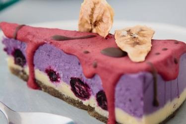 торт ягодный без выпечки