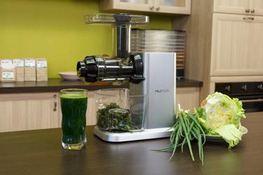 Отжим сока из зелени в Hurom GI-SBE08