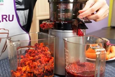 Свекольно-морковный сок в Hurom Alpha Plus H-AA