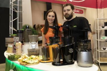 Мощные соковыжималки компании Hurom были представлены на Вегмарте в Санкт-Петербурге