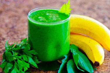 Смузи в чаше Vitamix с ножами для жидких продуктов