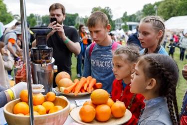 Бесплатная дегустация иммунитетного сока на фестивале Metro Family Day