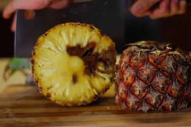 Испорченный ананас