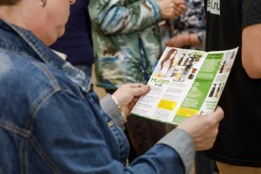Буклет с информацией о технике Hurom