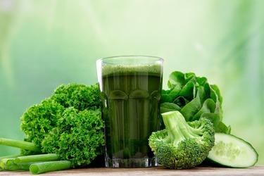 Сок из крестоцветных овощей поможет снизить вред табака