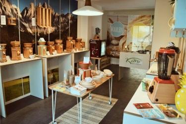 Выставочные образцы деревянных мельниц и блендеров КоМо
