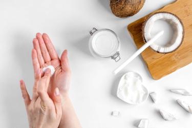 Чем полезно кокосовое масло для тела?